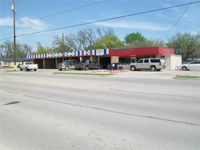 702 N Grand Ave, Gainesville, TX 76240