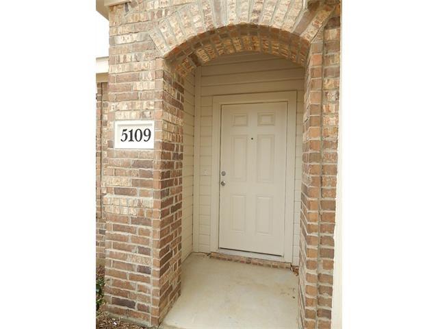 Rental Homes for Rent, ListingId:37043933, location: 5109 Glen Eden Ft Worth 76119
