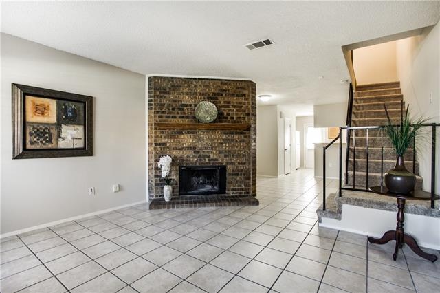 Single Family Home for Sale, ListingId:37069071, location: 641 CARRIAGEHOUSE Lane Garland 75040