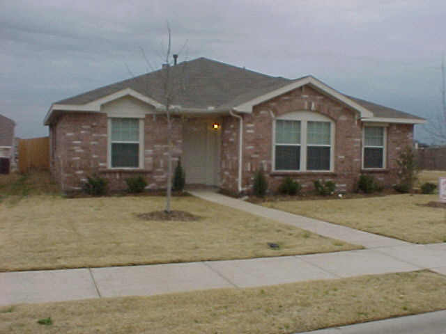 Rental Homes for Rent, ListingId:37084873, location: 2946 MIDBURY Drive Lancaster 75134
