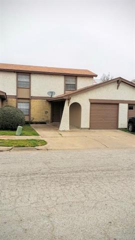 Photo of 1017 Pleasant Valley Lane  Arlington  TX
