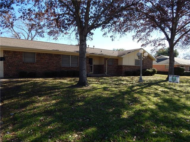 Rental Homes for Rent, ListingId:37133735, location: 809 S Colonial Drive Cleburne 76033