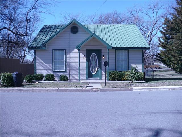 804 S Miller St, Decatur, TX 76234