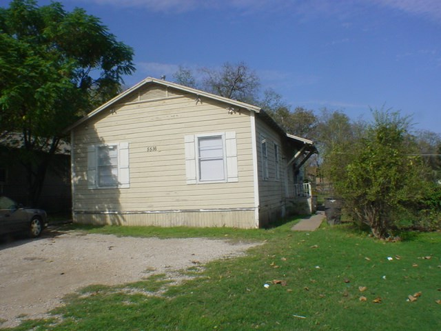 Rental Homes for Rent, ListingId:37160075, location: 5516 Libbey Avenue Ft Worth 76107