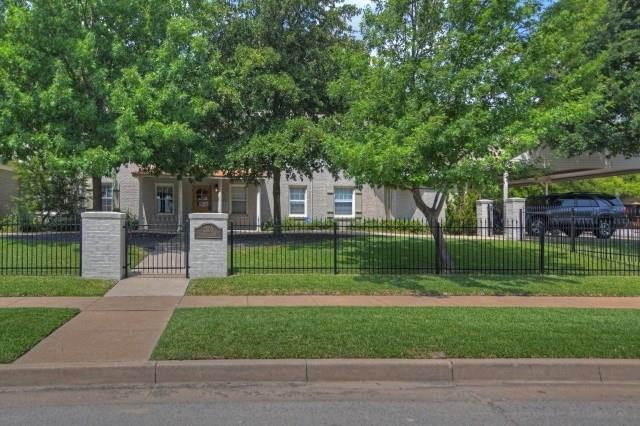 Rental Homes for Rent, ListingId:37252996, location: 2800 Parmer Avenue Ft Worth 76109