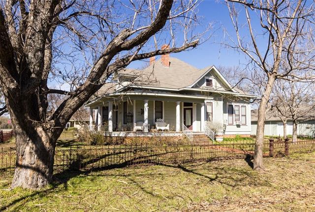 300 N Hinkley St, Blooming Grove, TX 76626