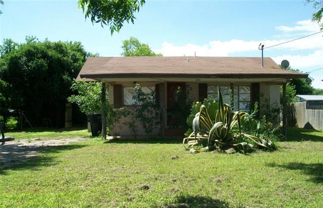495 E Leona St, Uvalde, TX 78801