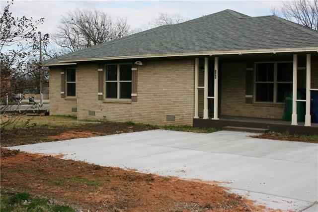 Photo of 303 Franklin Avenue  Pottsboro  TX