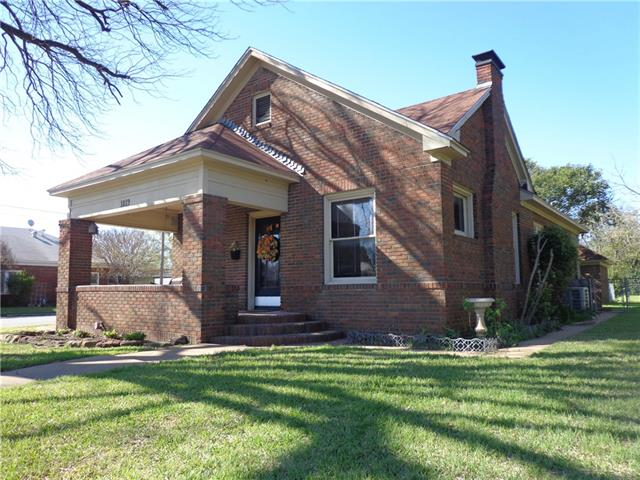 1819 Durham Ave, Brownwood, TX 76801