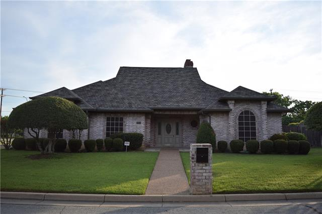 Photo of 2744 Laurel Valley Lane  Arlington  TX