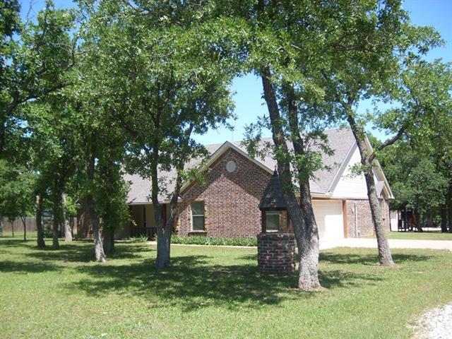 121 Deerfield Rd, Paradise, TX 76073