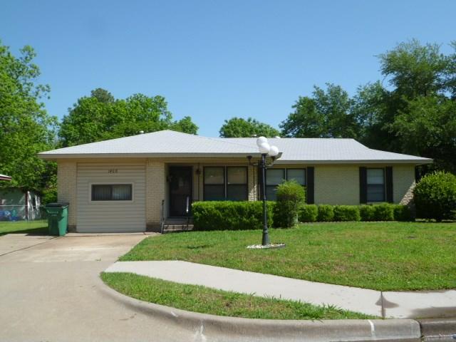 1408 Glendale St, Greenville, TX 75401