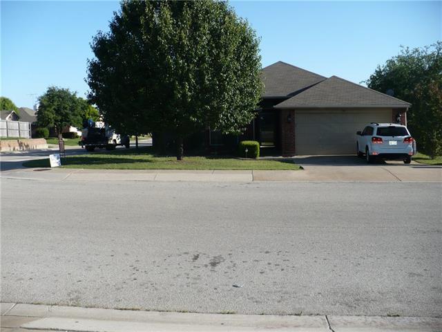 510 Troxell Blvd, Rhome, TX 76078