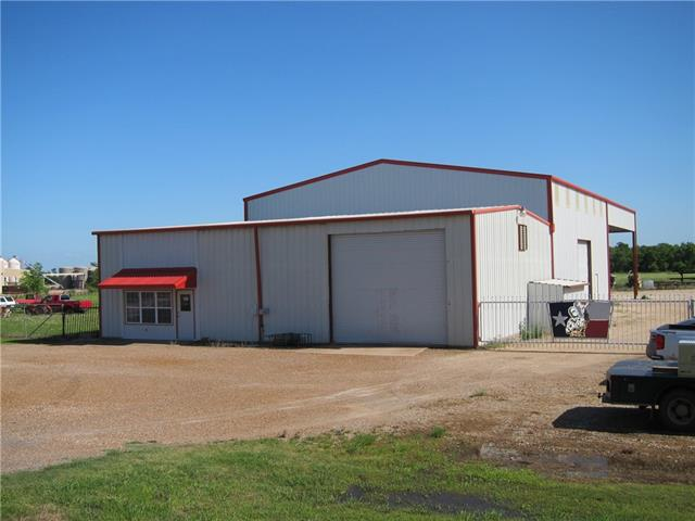 1306 E Main St, Honey Grove, TX 75446