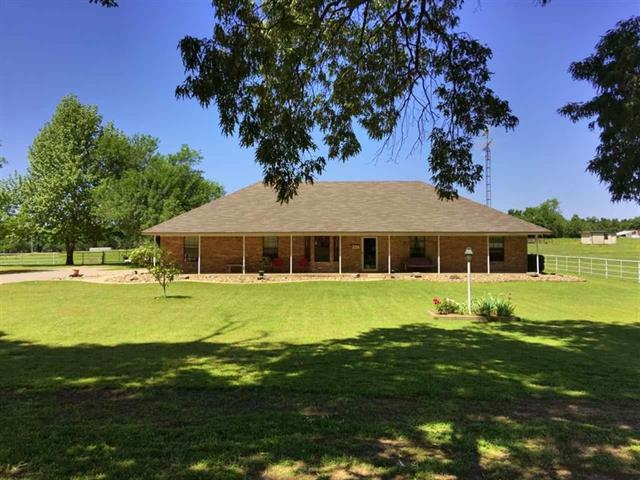 Photo of 295 County Road 44300  Powderly  TX