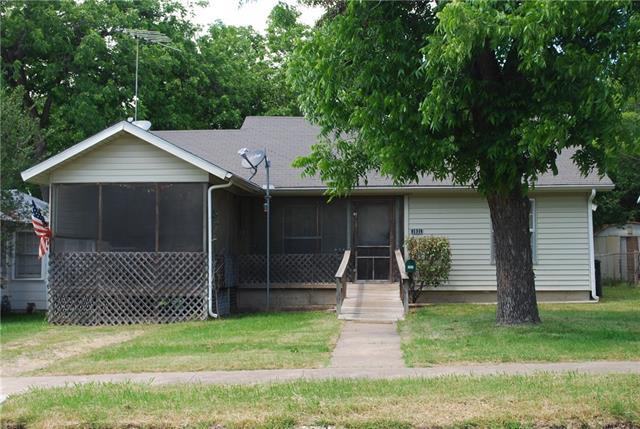 Photo of 1031 E Elm Street  Hillsboro  TX