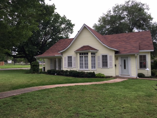 Photo of 518 S 9th Avenue  Teague  TX