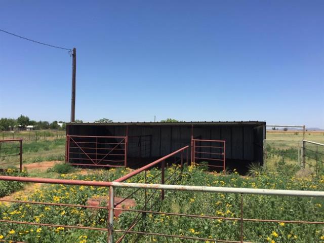 1109 E 8th St, Rotan, TX 79546