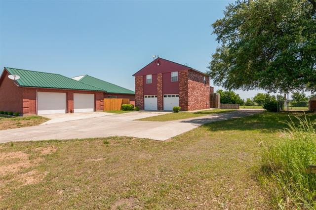 6870 Silver Creek Azle Rd, Azle, TX 76020