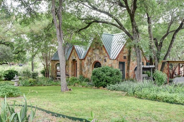 Photo of 6851 Cahoba Drive  Fort Worth  TX
