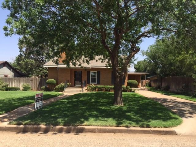 609 E Burnside St, Rotan, TX 79546