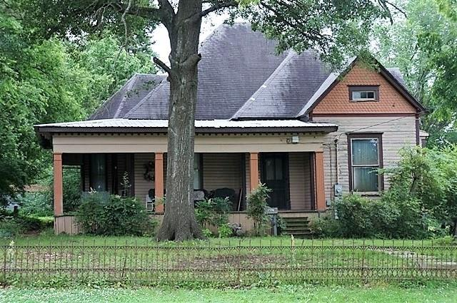 Photo of 827 W Kaufman  Paris  TX