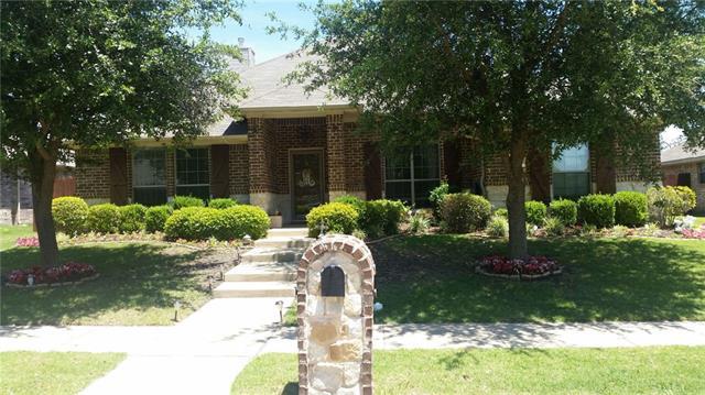 300 Midnight Dr, Royse City, TX 75189