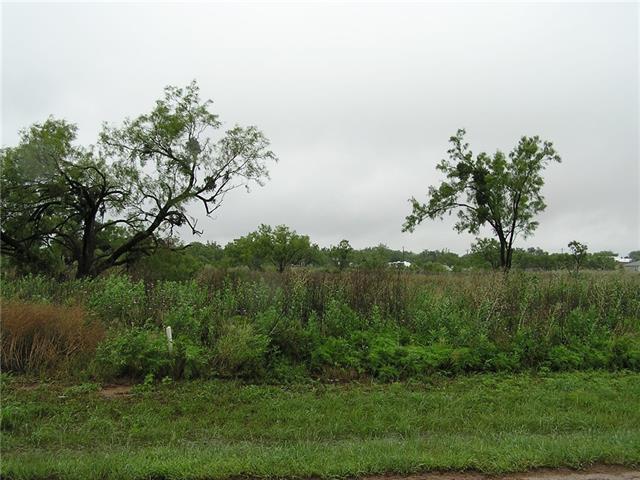 149 S Cedar St, Trent, TX 79561