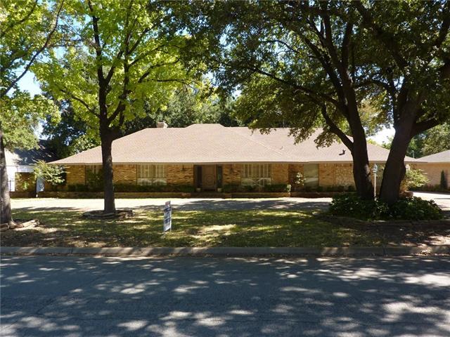 Photo of 13220 Hughes Lane  Dallas  TX