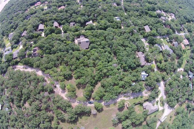 82 Oak Hills Dr, Pottsboro, TX 75076