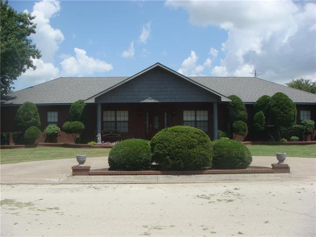 Photo of 311 E Pecan Street  Nocona  TX