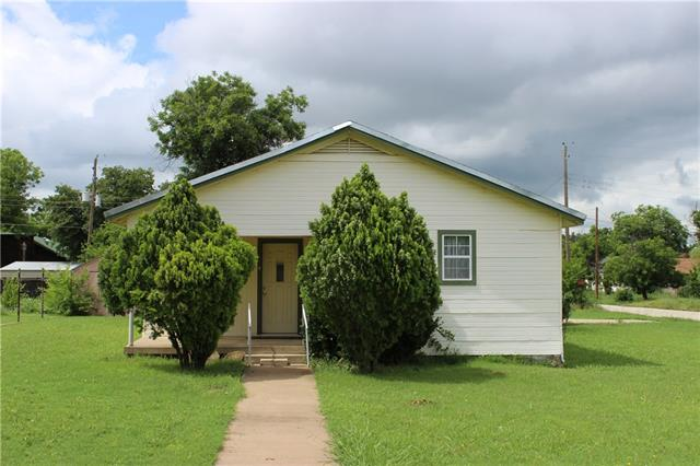 Photo of 700 W Wheeler Street  Breckenridge  TX