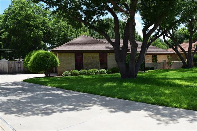 2626 Woodlake Dr, Abilene, TX 79606