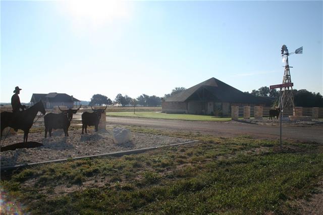 317 Windmill Crossing Road Ovalo, TX 79541