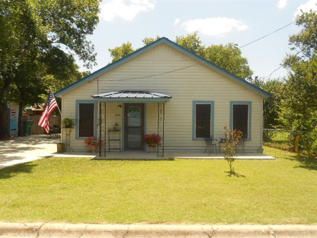 Photo of 504 W Tarrant Street  Bowie  TX