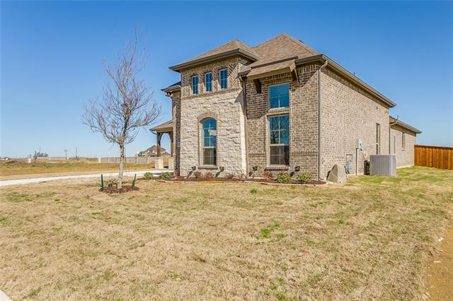 Photo of 1209 Stone Wall Drive  Mansfield  TX