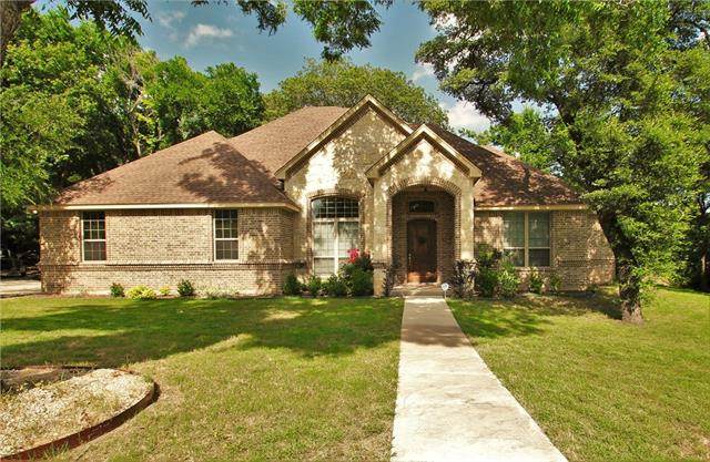233 Horizon Circle, Eagle Mountain in Parker County, TX 76020 Home for Sale