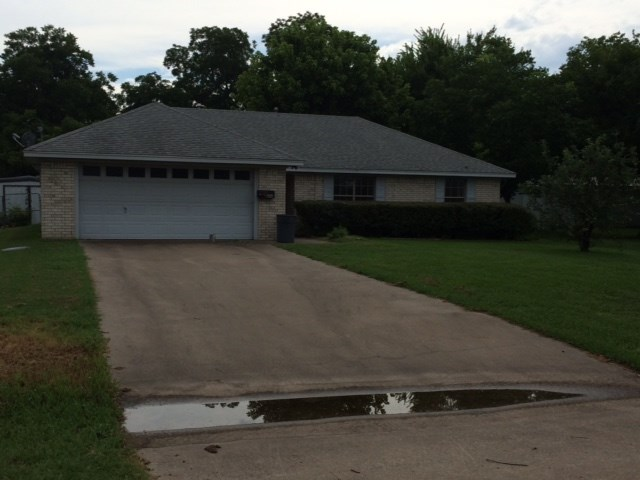 206 S Throckmorton Ave, Kerens, TX 75144