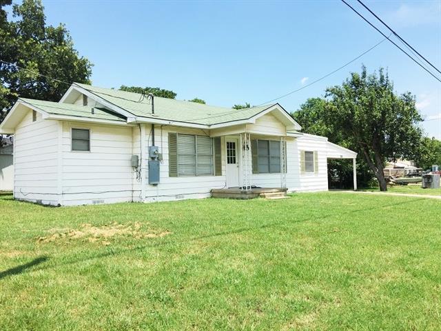 Photo of 410 W Mesquite Street  Nocona  TX