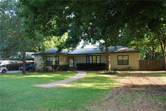 1207 Park Dr, Hillsboro, TX 76645