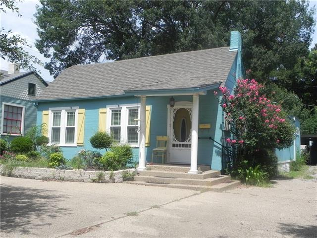 Photo of 1605 Belle Place  Fort Worth  TX