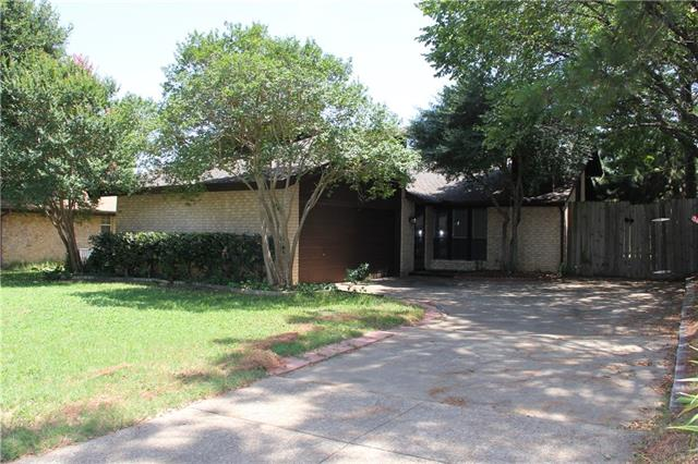 Photo of 1114 Tulane Drive  Arlington  TX