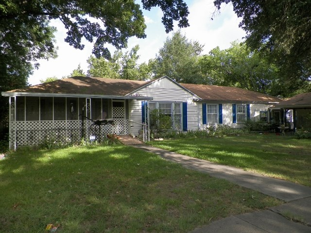 Photo of 329 N 3RD  Wills Point  TX