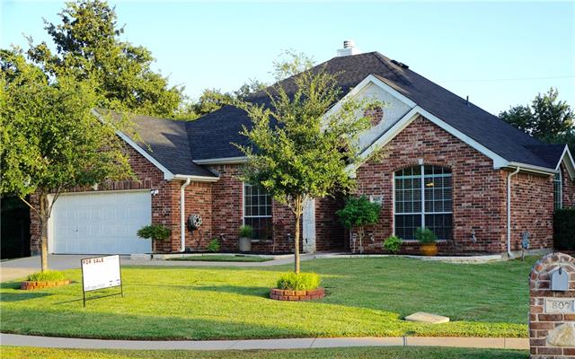 Photo of 805 Warwick Court  Kennedale  TX