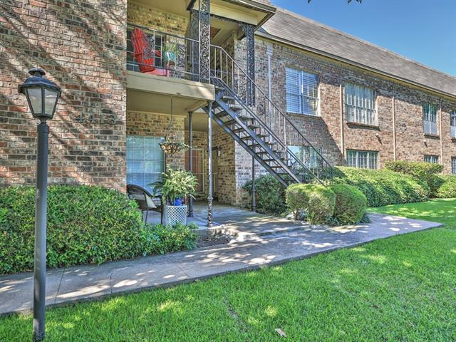 Photo of 4413 Bellaire Drive S  Fort Worth  TX