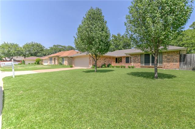 Photo of 1524 Berkeley Drive  Mansfield  TX