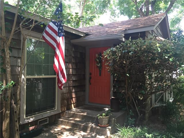 Photo of 804 Forrest Avenue  Cleburne  TX