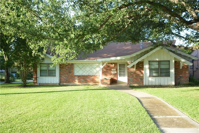 Photo of 4316 S Wedgmont Circle S  Fort Worth  TX