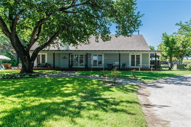 Photo of 340 County Road 3336  Paradise  TX