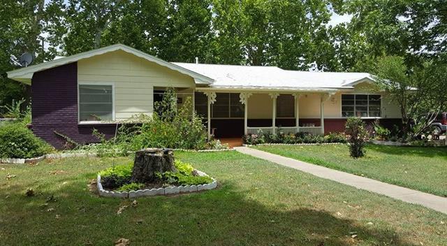 1217 Park Ave, Bonham, TX 75418